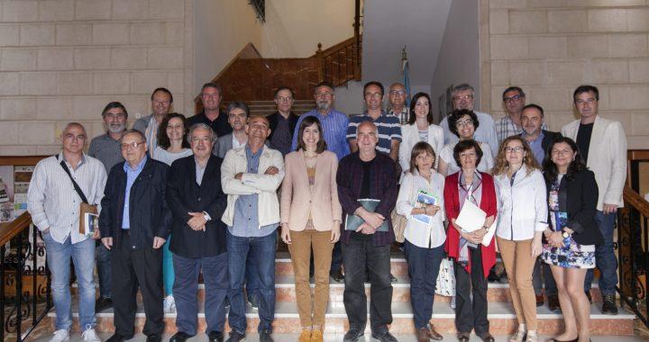 Fotografia de grup del Consell General del CEIC Alfons el Vell després de la reunió de constitució (25 de maig de 2016)