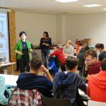 Taller de Física: Pon tus manos en la física Chantal Ferrer, Ana Cros. Facultat de Física, Universitat de València