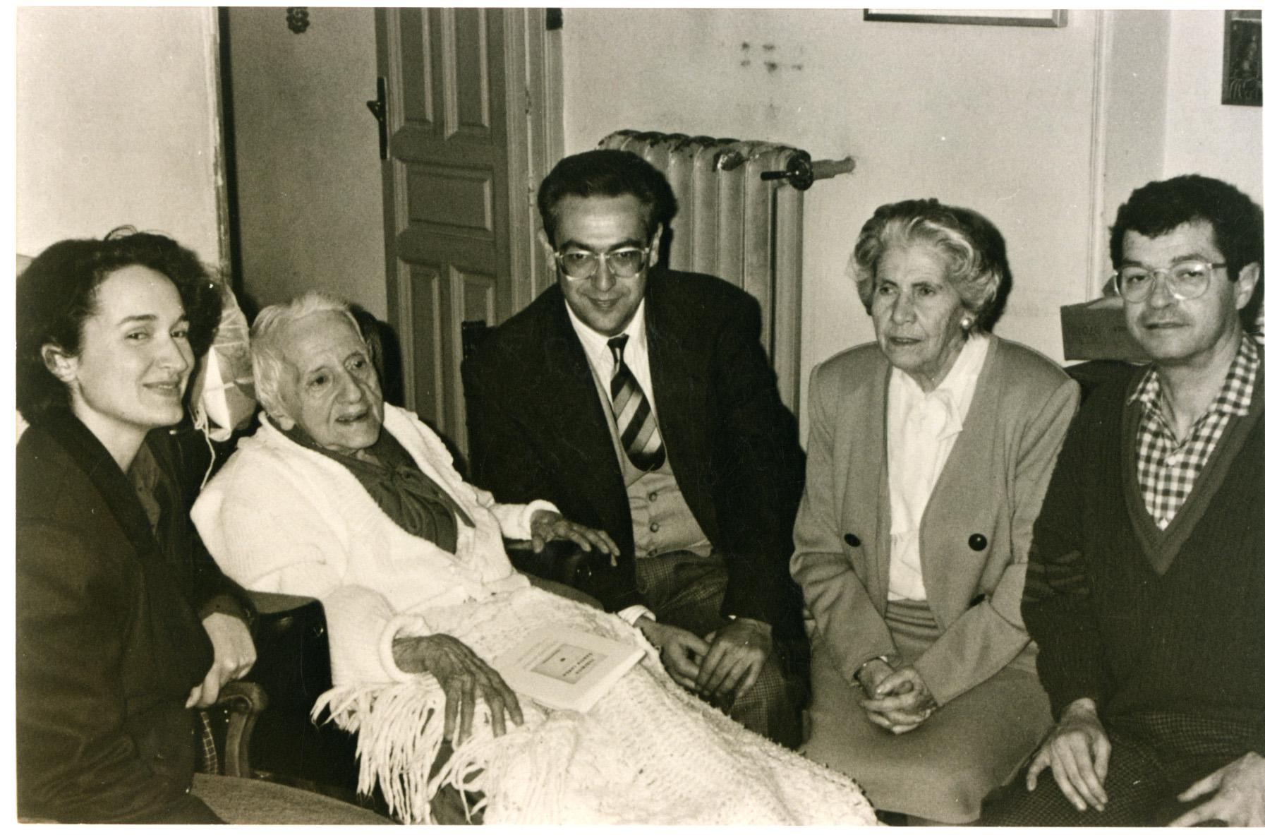 Madrid 1989, omençant per l'esquerra: Rosa Mascarell, María Zambrano, José Andérica, Isabel García Lorca i Joaquín Lobato