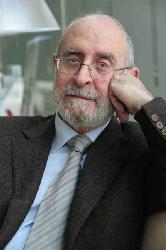 Román de la Calle, catedràtic d'Estètica i Teoria de les Arts de la Universitat de València i President de la Reial Acadèmia de Belles Arts de Sant Carles