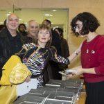 Vicenta Llorca, escriptora, darrere Joan Muñoz, regidor de Cultura i Ximo Vidal