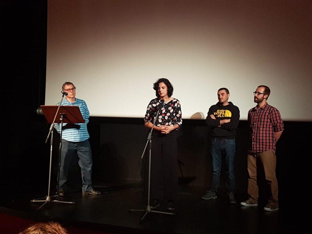 L'equip realitzador presenta el seu documental: •Quan la mort ve del cel