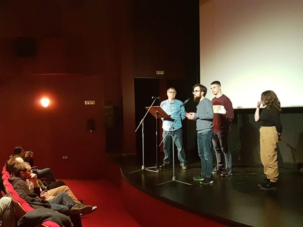 Els realitzadors del documental:  •Gandia, construint història: L'antic Convent de Sant Roc, pujen a l'escenari.